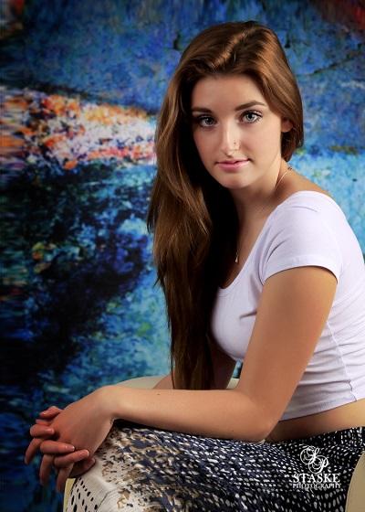 Ellie Knox-4