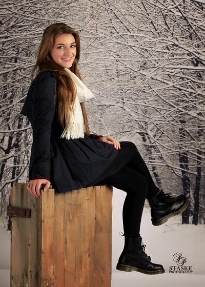 Ellie Knox-8