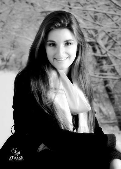 Ellie Knox-9
